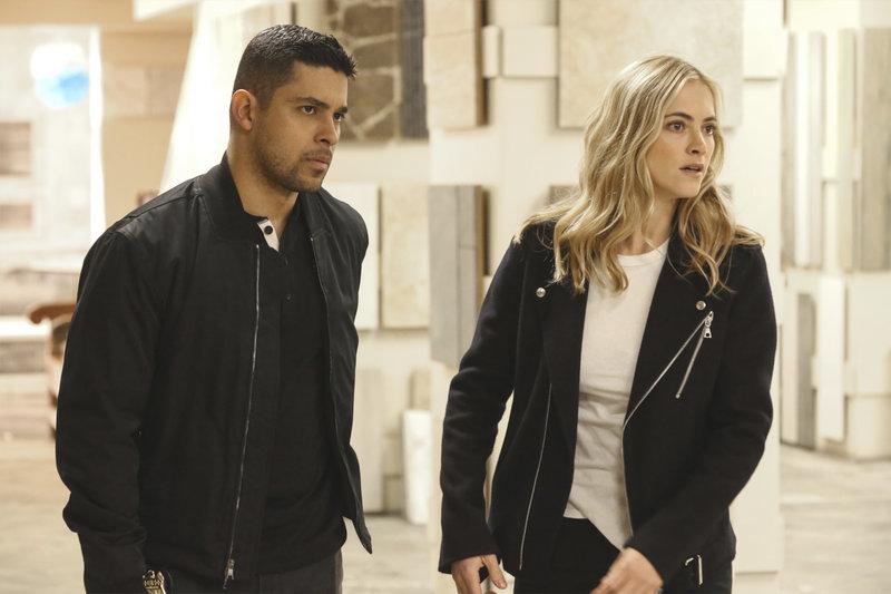 L-R: Nick Torres (Wilmer Valderrama) and Eleanor Bishop (Emily Wickersham) – Bild: 13th Street