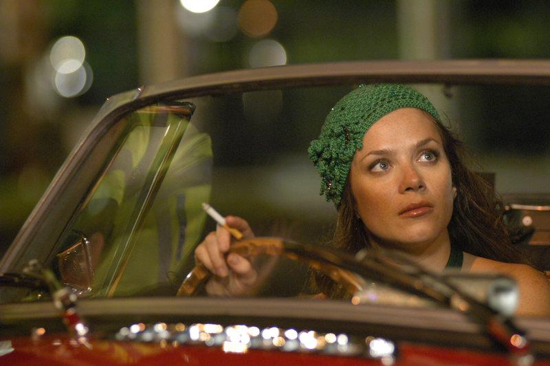 Anna Friel (Susie) between takes – Bild: Universal TV