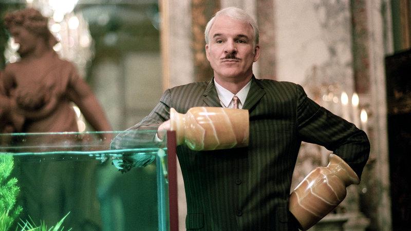 Der tollpatschige Inspector Clouseau (Steve Martin) wird mit dem Fall betraut.. – Bild: RTL Zwei
