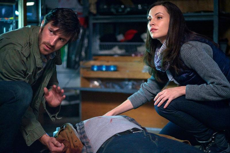 Schwerer Autounfall: Gelingt es Dr. TC Callahan (Eoin Macken) und Dr. Jordan Alexander (Jill Flint), das Leben der Schwerverletzten zu retten? – Bild: MG RTL D / Sony Television Inc.