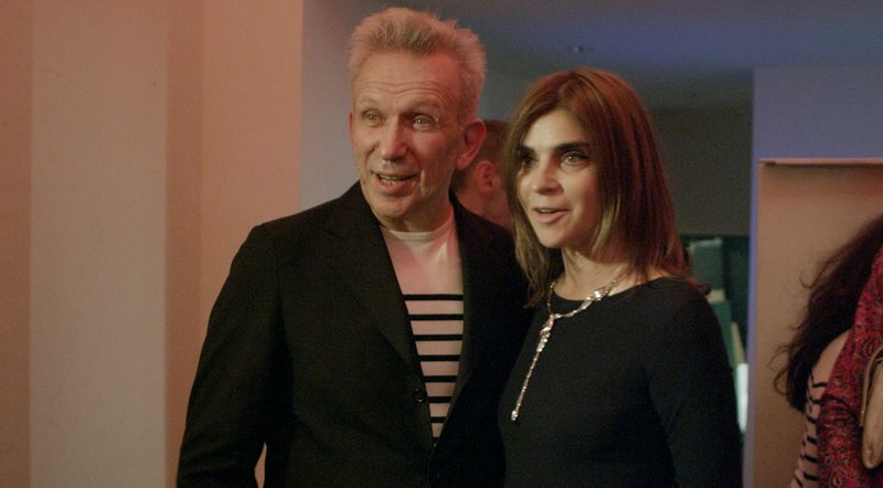 Carine Roitfeld mit Jean Paul Gaultier – Bild: RTL Living