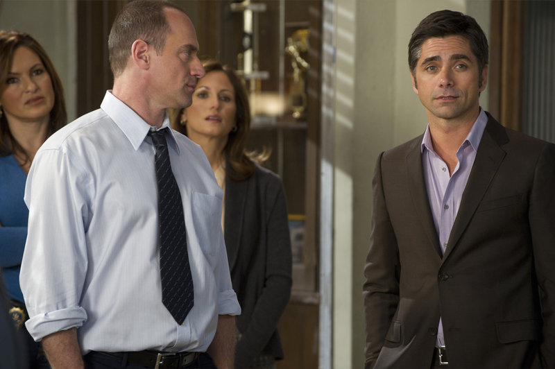"""-- """"Bang"""" Episode 1221 -- Pictured: (l-r) Chrstopher Meloni as Det – Bild: Universal Channel"""