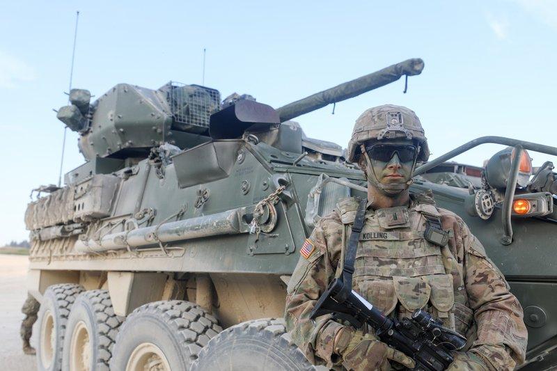 Die Doku zeigt, wie flexibel die Panzer sind und welche technischen Raffinessen das Gefährt ausmachen. – Bild: TVNOW / TwoFour