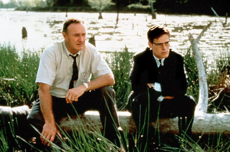Der erfahrene FBI-Agent Anderson (Gene Hackman) stösst bei seiner Ermittlung auf eine Schweigemauer. – Bild: DMB
