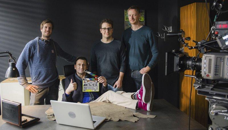 v.l.: Philipp Scholz (Regie), Ingo Naujoks (Nebenrolle: Thierry), Bastian Reiber (Hauptrolle: Lukas), Kristian Leschner (Kamera) – Bild: NDR/Christine Schroeder