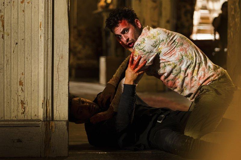 L-R Jesse Custer (Dominic Cooper), Cassidy (Joseph Gilgun) – Bild: Universal TV