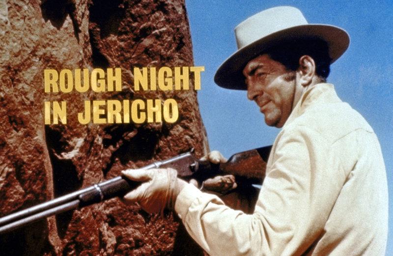 Alex Flood (Dean Martin) terrorisiert das Städtchen Jericho ... – Bild: Universal Pictures Lizenzbild frei