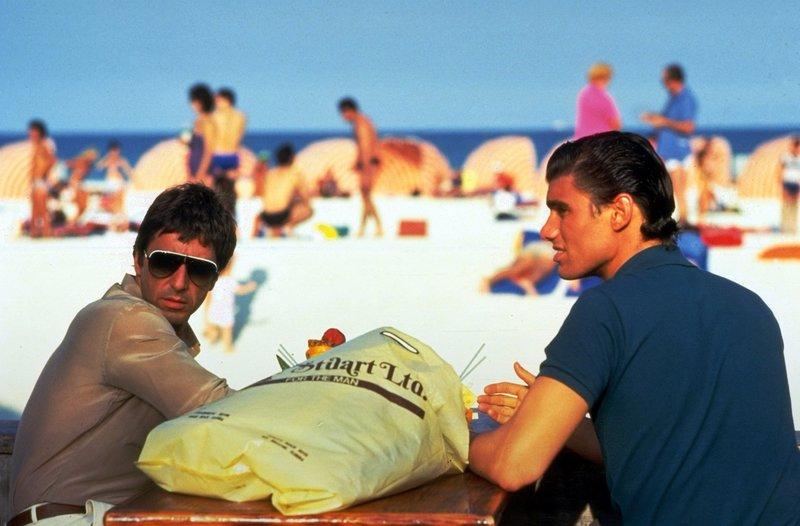 Al PACINO (Tonny Montana), Steven BAUER (Manny Ray) Réalisation: Brian DE PALMA – Bild: ORF