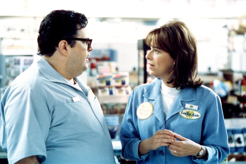 Lois (Jane Kaczmarek) wird von Craig (David Higgins) angebaggert. – Bild: ORF eins
