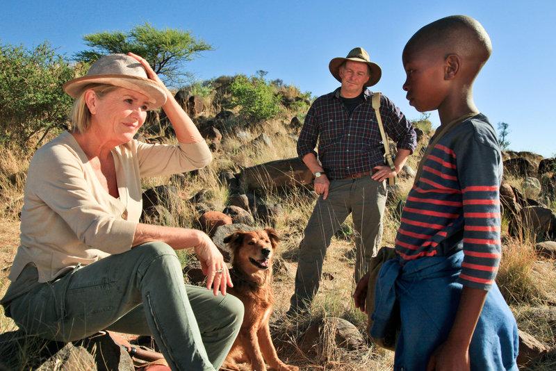 Jutta Speidel (Eleonore), Max Herbrechter (Max), Elvis Mahomba (Thabo). – Bild: ORF