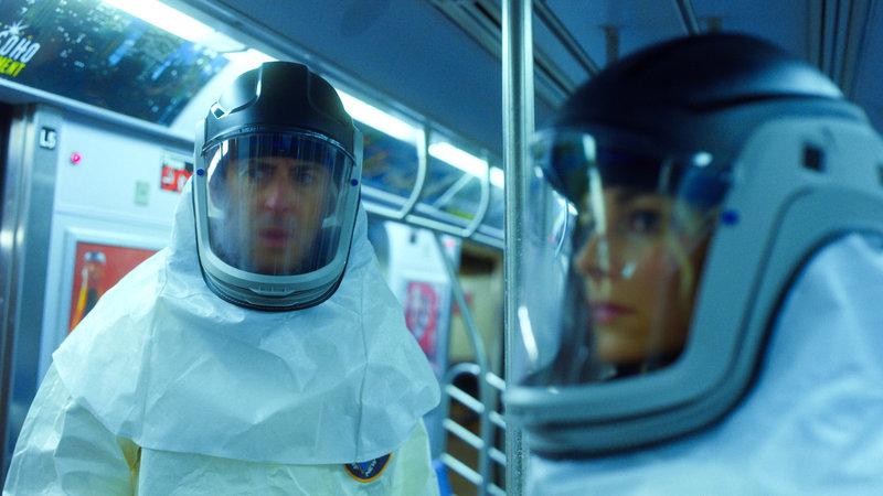 L-R: Dr. Dylan Reinhart (Alan Cumming), Det. Lizzie Needham (Bojana Novakovic) – Bild: TNT Series (DE) / 2017 CBS BROADCASTING INC. ALL RIGHTS RESERVED.