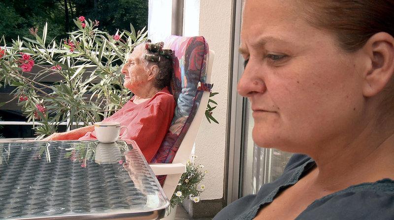 Das Zusammenleben der beiden Frauen ist nicht immer leicht. – Bild: MDR/Büchner Filmproduktion