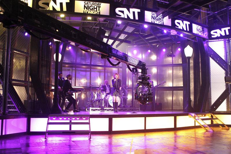 Der Auftritt der Sängerin Carly Rae Jepsen (Carly Rae Jepsen) läuft normal, bis etwas Unerwartetes passiert ... – Bild: © ABC Studios / John Fleenor / John Fleenor