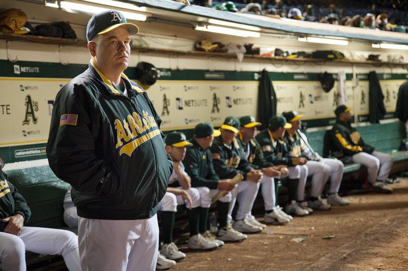 "Philip Seymour Hoffman in Columbia Pictures' drama ""Moneyball,"" starring Brad Pitt. – Bild: 2011 Columbia TriStar Marketing Group, Inc. All rights reserved. Lizenzbild frei"