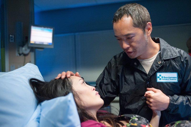 Kristy Wu (Janet Zia), Ken Leung (Dr. Topher Zia). – Bild: ORF eins