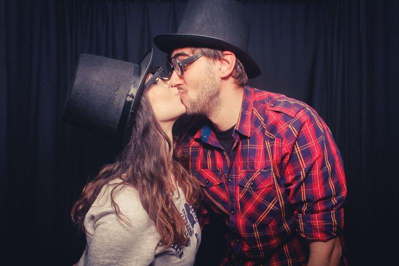 Kiss Bang Love Mediathek
