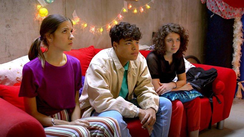 L-R: Emily (Nevena Schöneberg), Rocco (Malcom Meckert), Lotte (Jesina Amweg) – Bild: Nickelodeon