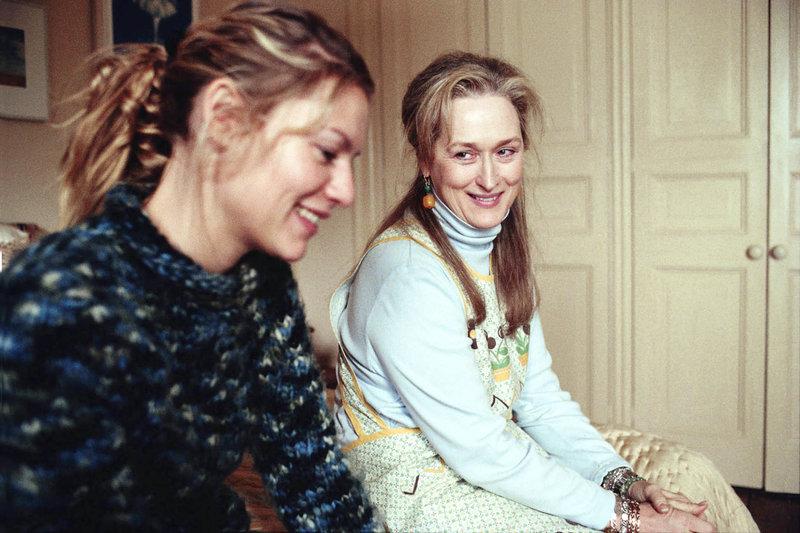 Dans la banlieue de Londres, au début des années 20, Virginia Woolf lutte contre la folie qui la guette. Elle entame l'écriture de son grand roman, «Mrs Dalloway». Plus de vingt ans plus tard, à Los Angeles, Laura Brown lit Virginia Woolf : une expérience si forte qu'elle songe à changer radicalement de vie. A New York, aujourd'hui, Clarissa Vaughan, version moderne de Mrs Dalloway, soutient Richard, un ami poète atteint du sida. Comment ces histoires vont-elles se rejoindre, comment ces trois femmes vont-elles former une seule et même chaîne ? La littérature est si puissante qu'un chef-d'oeuvre peut, par-delà les époques, modifier irrévocablement l'existence de celles qui le côtoient. – Bild: ATV II
