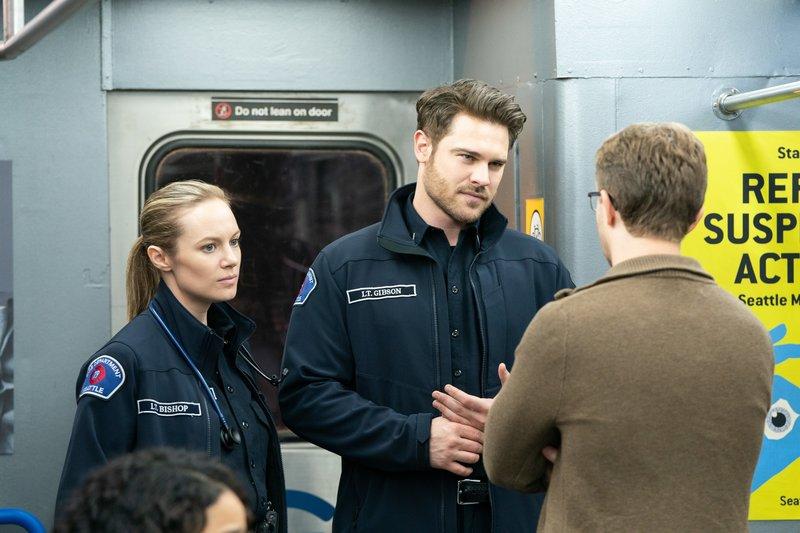 Danielle Savre (Maya Bishop), Grey Damon (Jack Gibson). – Bild: ORF 1