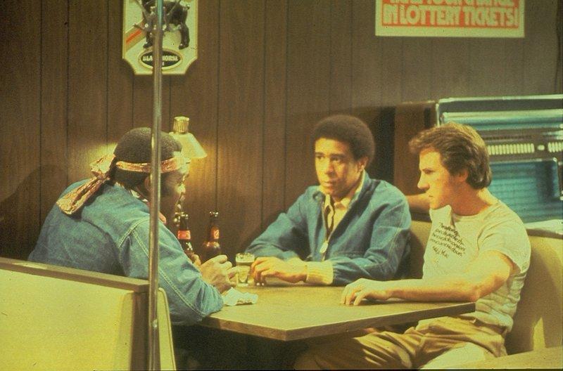 Smokey (Yaphet Kotto, l.), Zeke (Richard Pryor, M.) und Jerry (Harvey Keitel, r.) sind Fließbandarbeiter in einer Autofabrik in Detroit und mit ihren Gehältern mehr als unzufrieden. Nach einem Streit mit der Gewerkschaft entschließen sich die drei, deren Tresor aufzubrechen - und entdecken dabei einige brisante Unterlagen ... – Bild: 1978 NBCUniversal ALL RIGHTS RESERVED. Lizenzbild frei