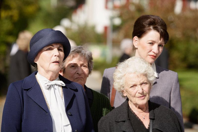 Annemarie Düringer (Frieda), Monica Gubser (Hanni), Monika Niggeler (Shirley Bigler), Stephanie Glaser (Martha). – Bild: rbb