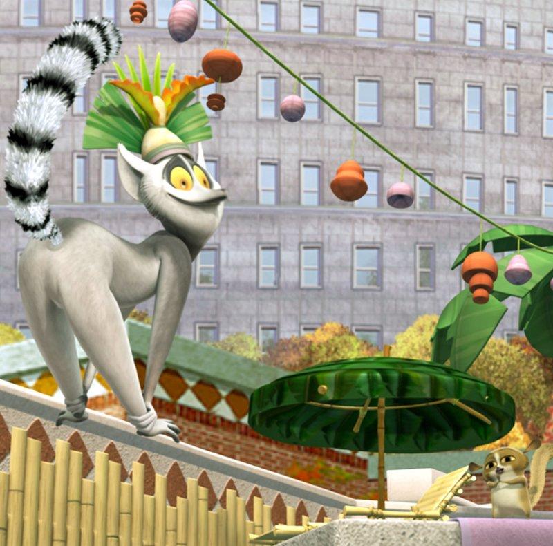 """""""Die Pinguine aus Madagascar"""", Skipper, Kowalski, Rico und Private sind Top-Spione - zumindest würden sie sich selbst so beschreiben. Andere halten sie einfach nur für vier niedliche Pinguine, die im Central Park Zoo leben. Was andere von ihnen denken, kümmert die vier Spaßvögel aber kaum, denn sie sind einfach zu beschäftigt. Nur eine Sache lenkt sie wirklich von ihrer überaus wichtigen Mission ab - ihr unausstehlicher Nachbar King Julien. Der selbst ernannte """"König der Lemure"""" ist neu im Zoo und versucht den Laden ordentlich aufzumischen. Nicht gerade zur Freude der Nachbarschaft. – Bild: ORF / Your Family Entertainment"""