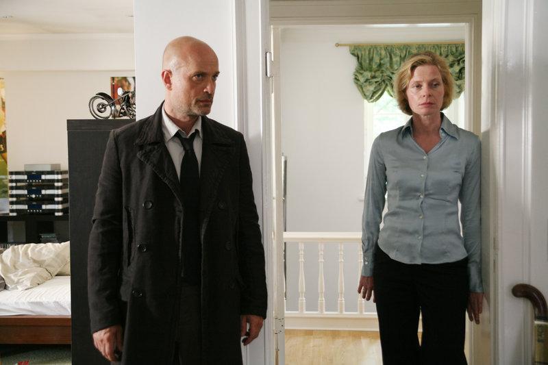 Gefallene Engel (Staffel 1, Folge 2) – Bild: RTS Un