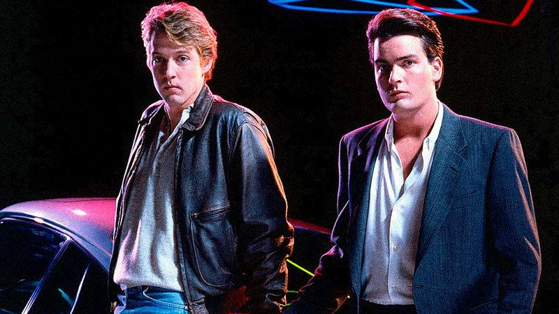 Ted Varrick (Charlie Sheen, r), Benjy Taylor (D.B. Sweeney, l) – Bild: Star TV