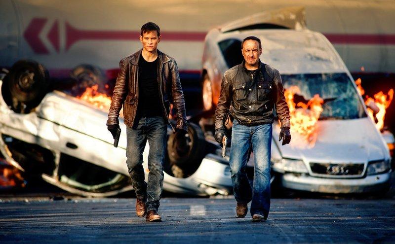 Semir Gerkhan (Erdogan Atalay, r.) und Alex Brandt (Vinzenz Kiefer) – Bild: RTL / Gordon Mühle