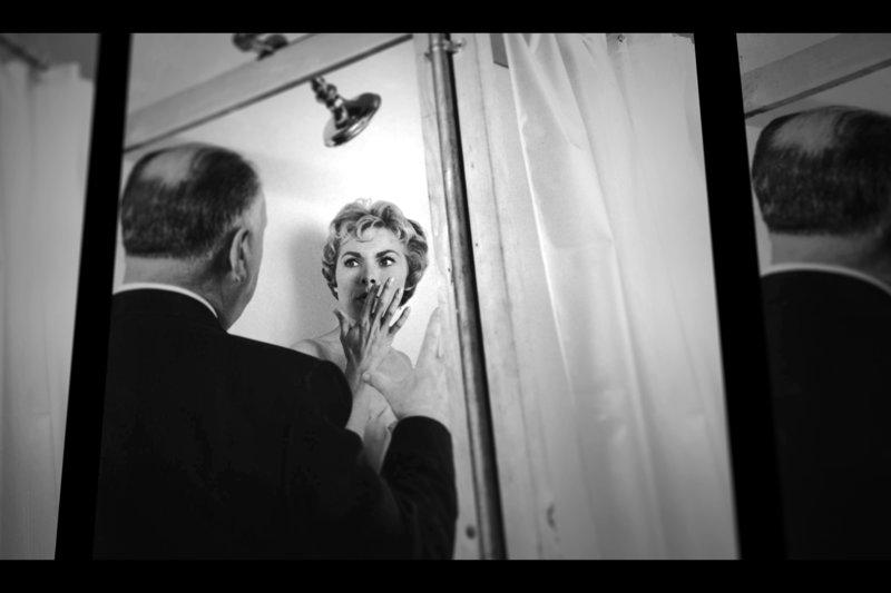 """Regisseur Alfred Hitchcock bespricht die Duschszene mit Schauspielerin Janet Leigh. – Bild: ARTE Honorarfreie Verwendung nur im Zusammenhang mit genannter Sendung und bei folgender Nennung """"Bild: Sendeanstalt/Copyright"""". Andere Verwendungen nur nach vorheriger Absprache: ARTE-Bildredaktion"""