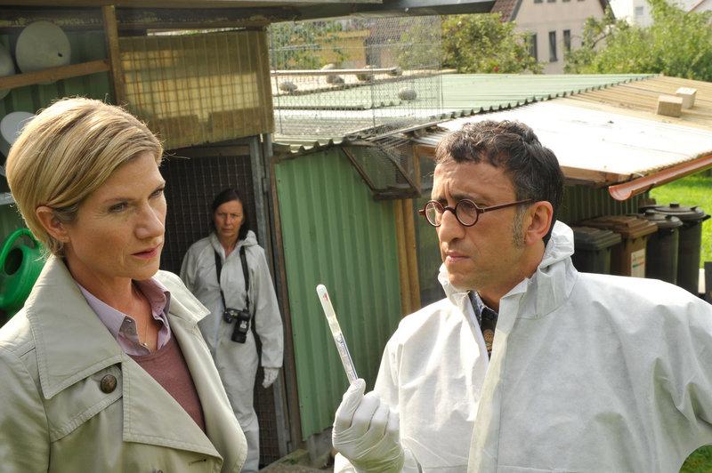 Martina Seiffert (Astrid M. Fünderich, l.) und Jan Arnaud (Mike Zaka Sommerfeldt, r.). – Bild: ZDF und Markus Fenchel