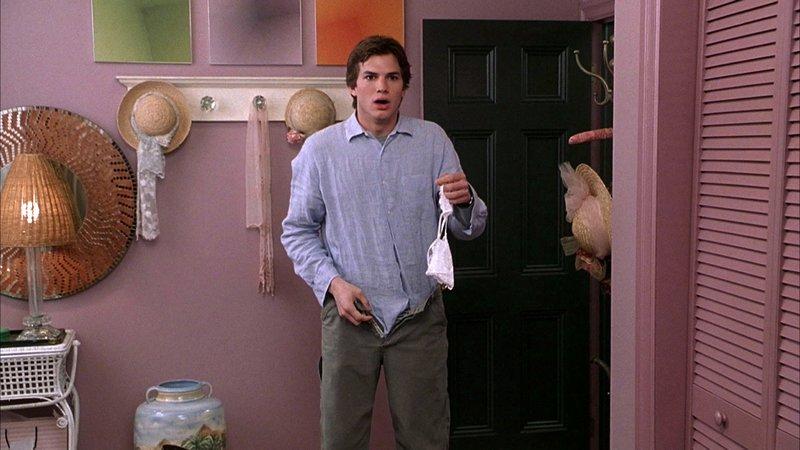Der junge und gutaussehende Tom (Ashton Kutcher) hat sich in die Tocher seines Chefs Jack verguckt. Doch diese glaubt, dass Tom schwul ist. – Bild: Super RTL