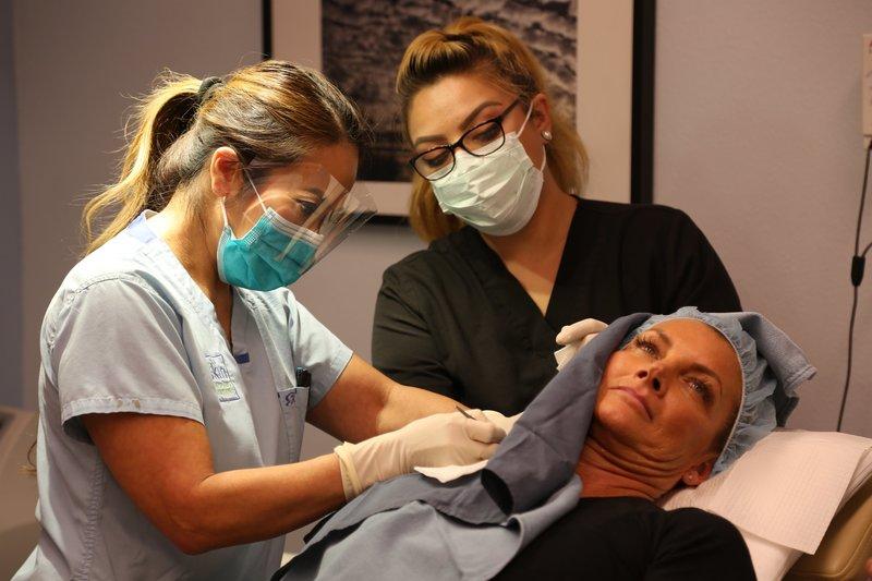 Dr Pimple Popper S01e02 Vorsicht Spritzig The World S
