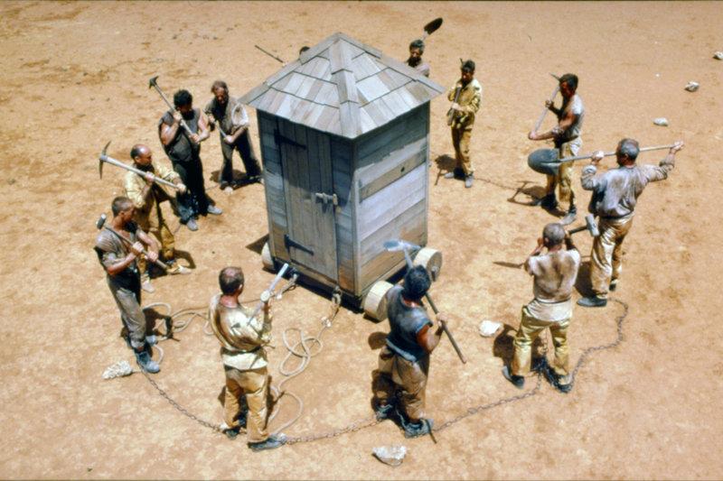 """Die führenden Köpfe der """"""""Verschwörer"""""""" werden zu sieben Jahren Zwangsarbeit in Australien verurteilt. – Bild: ARTE France / © British Film Institute"""