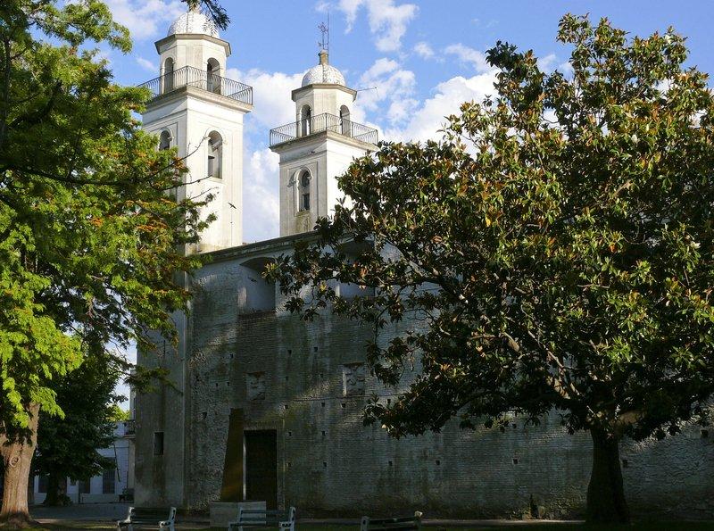Die älteste Kirche Uruguays, die Iglesia Matriz aus dem Jahre 1680. – Bild: BR/SWR/Kreisel