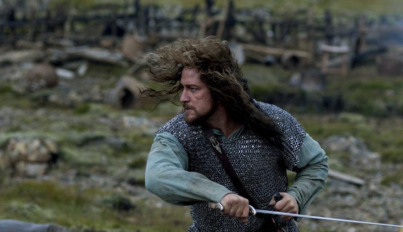 Ein Held muss her: Beowulf (Gerard Butler) soll' s richten. – Bild: ZDF und Nick Wall
