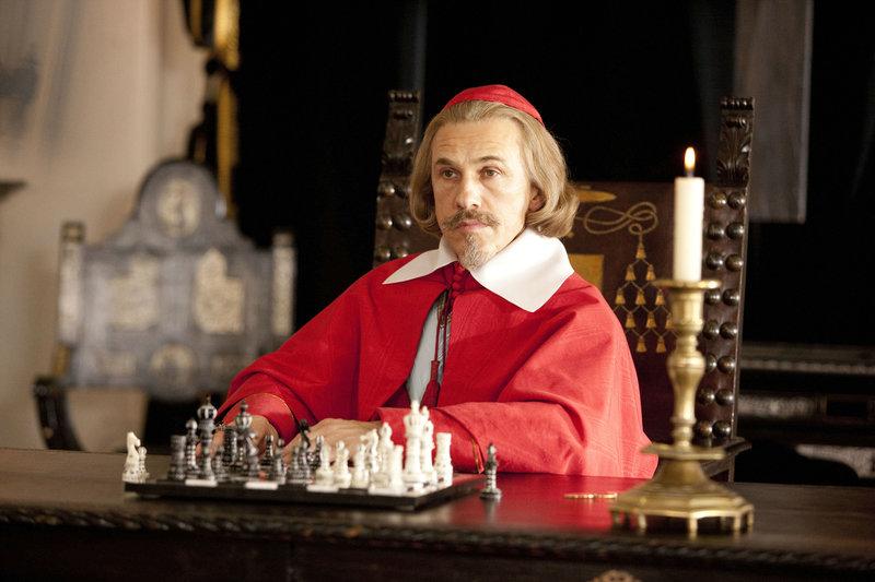 Christoph Waltz (Kardinal Richelieu). – Bild: ORF