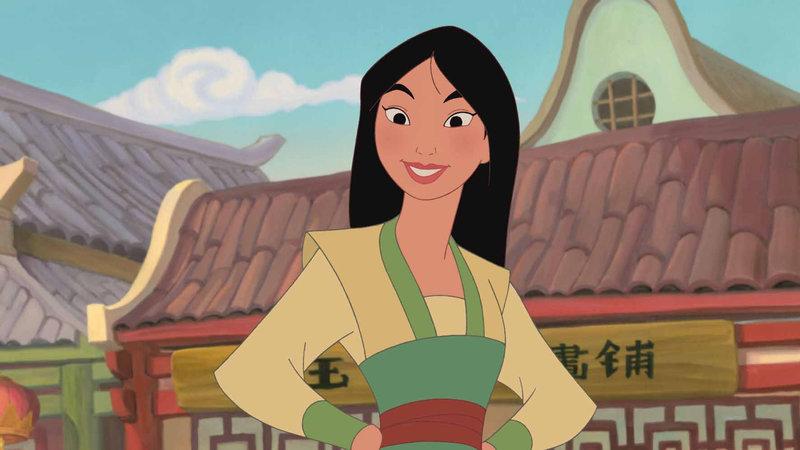 Die temperamentvolle Mulan erlebt den schönsten Moment ihres Lebens, als General Shang um ihre Hand anhält! Doch bevor sie heiraten können, müssen sie noch einige Herausforderungen meistern. Die beiden erhalten einen Auftrag vom Kaiser persönlich: Mulan und Shang sollen drei Prinzessinnen auf dem gefährlichen Weg zu ihren eigenen Hochzeiten quer durch China eskortieren. Als Mulan erkennt, dass die drei gegen ihren Willen verheiratet werden sollen, fällt sie eine kühne Entscheidung, die den Lauf der Geschichte ändern wird... – Bild: DISNEY. ALL RIGHTS RESERVED
