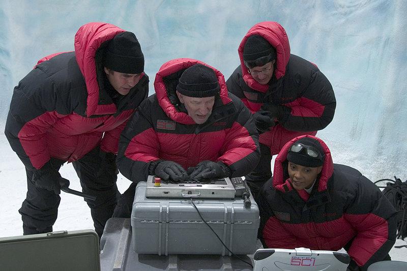 """Eiskalt wie die Hölle"". Im Bild (v.li.): Jeff Fahey, Bill Dow, William MacDonald, Vanesa Tomasino. – Bild: Tele 5"
