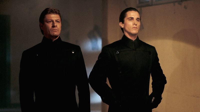 V.li. Partridge (Sean Bean) und John Preston (Christian Bale)V.li. Partridge (Sean Bean) und John Preston (Christian Bale) – Bild: RTL II