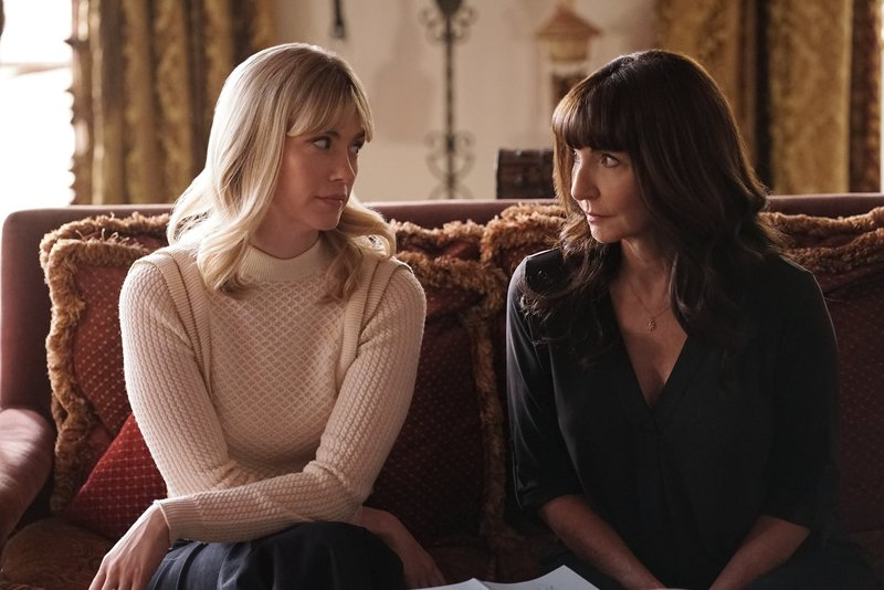 Melissa (January Jones, l.); Gail (Mary Steenburgen, r.) – Bild: 2017-2018 Fox and its related entities. All rights reserved. Lizenzbild frei