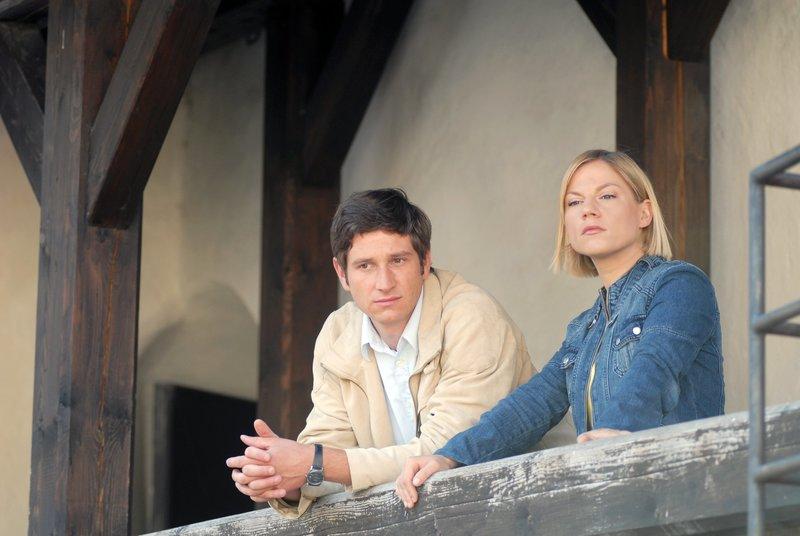 Andreas Kiendl (Klaus Lechner), Kristina Sprenger (Karin Kofler). – Bild: ORF III