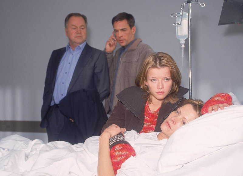 Die Schuldenfalle (Staffel 12, Folge 2) – Bild: MG RTL D / Rolf Baumgartne