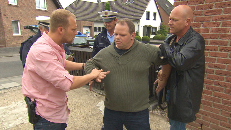 Ben Holtmann,li., Mitte: Herr Köhler, Bruce Berger,re. – Bild: RTL II