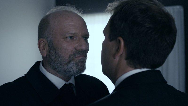 CAST: Ingar Helge Gimle as Minister of finance Erik Ulrichsen, Bjarte Hjelmeland as Christian Schjelderup. – Bild: NRK 2015