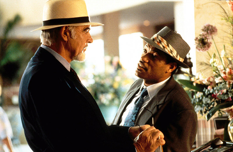 L'avocat, Paul Armstrong, milite contre la peine capitale. C'est alors qu'une vieille dame lui demande de défendre son petit-fils condamné à mort, pour le meurtre d'une fillette... Etats-Unis d'Amerique - 1995 -------------------------------------------------------------------------------- Réf. photo CONNERY Sean FISHBURNE Laurence 06 2003-0046-0007-NUME Légende Sean Connery et Laurence Fishburne – Bild: RTL II