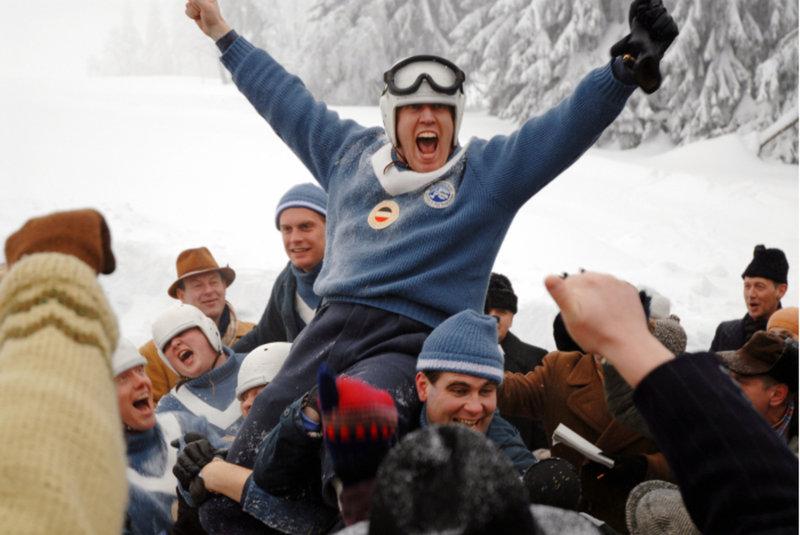 Ein Wunder ist wahr geworden. Sieg für Dorfler (Nicholas Ofczarek, oben) und sein Team ... – Bild: BR Fernsehen