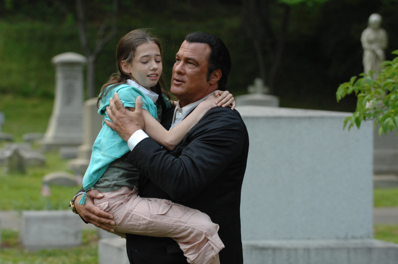 Lydia Jordan, Steven Seagal – Bild: COPYRIGHT ? 2007 WORLDWIDE SPE ACQUISITIONS INC. ALL RIGHTS RESERVED.