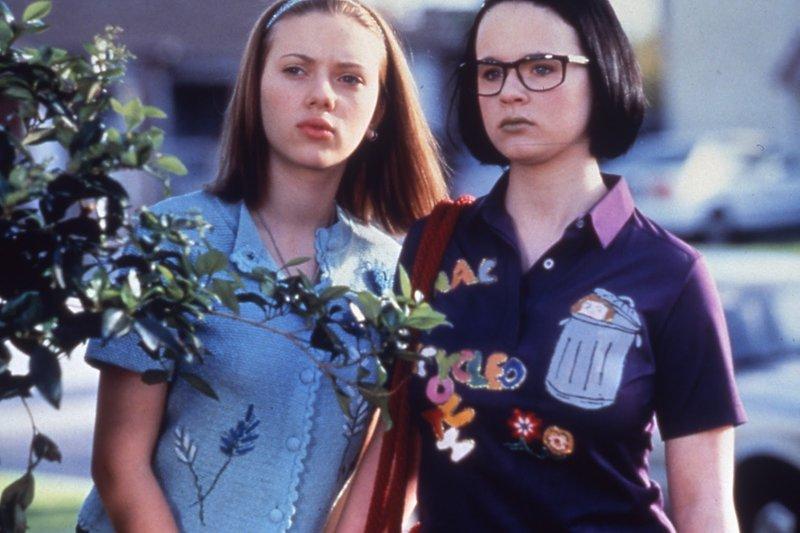 Beste Freundinnen: Enid (Thora Birch, r.) und Rebecca (Scarlett Johansson, l.) ... – Bild: 2014 Koch Media GmbH. All Rights reserved. Lizenzbild frei
