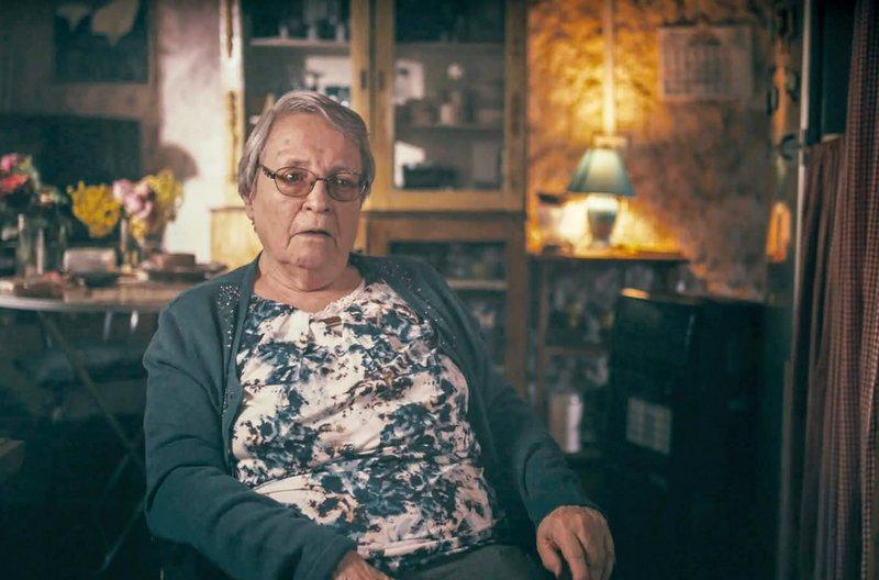 Adriana Bórquez, ehemalige Gefangene in der Sekte Colonia Dignidad, konnte ins Exil fliehen. Später kehrt sie ins Land zurück, um gegen das Wegsehen des chilenischen Staates angesichts der begangenen Verbrechen zu kämpfen. – Bild: arte